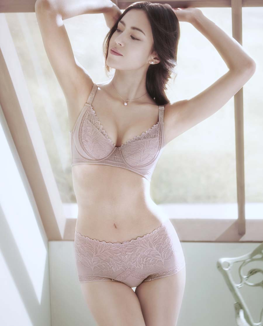 MODELAB美体|爱慕慕澜倩影朦胧中型中腰短款塑裤AD33831