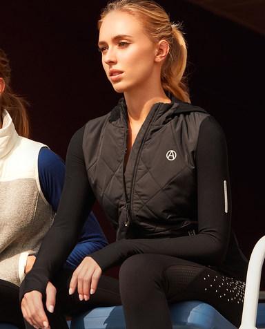Aimer Sports运动装 爱慕运动荧光训练II带帽拉链上衣AS144B13