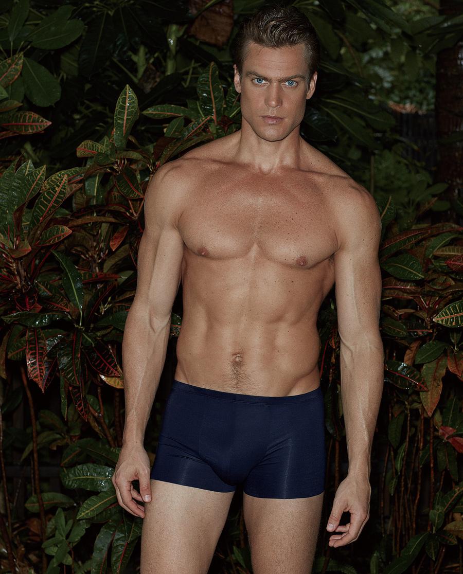 爱慕先生新品纵享丝滑中腰平角内裤NS23A751
