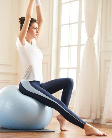 Aimer Sports运动装 爱慕运动舒展瑜伽带杯短袖T恤AS143H11