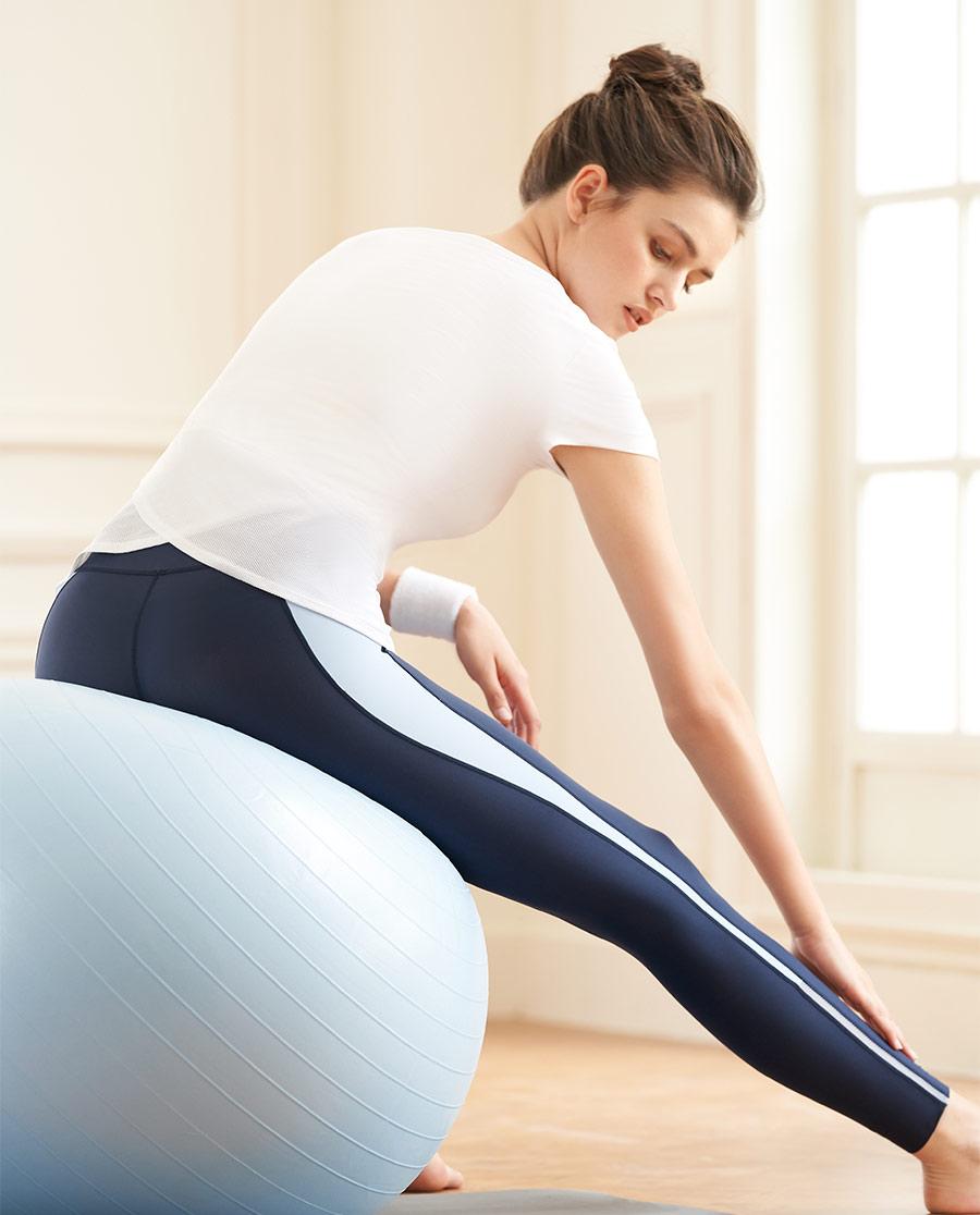 Aimer Sports运动装|爱慕运动舒展瑜伽带杯短袖T恤AS143H