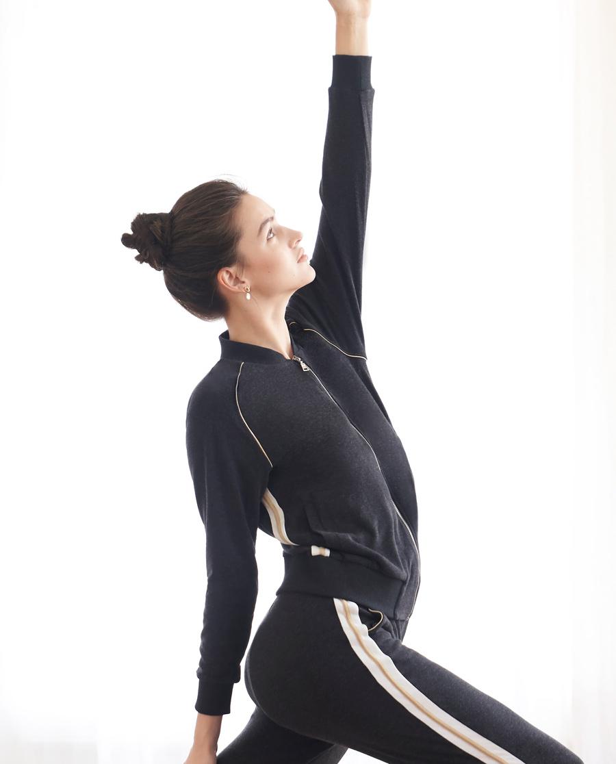Aimer Sports睡衣|巴黎夫人运动舒暖经典系列立领拉链休闲上衣AS