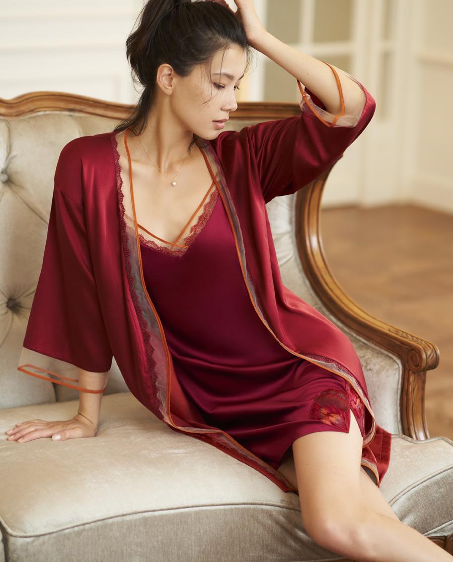 Aimer睡衣|巴黎夫人舞蝶中袖睡袍AM483181