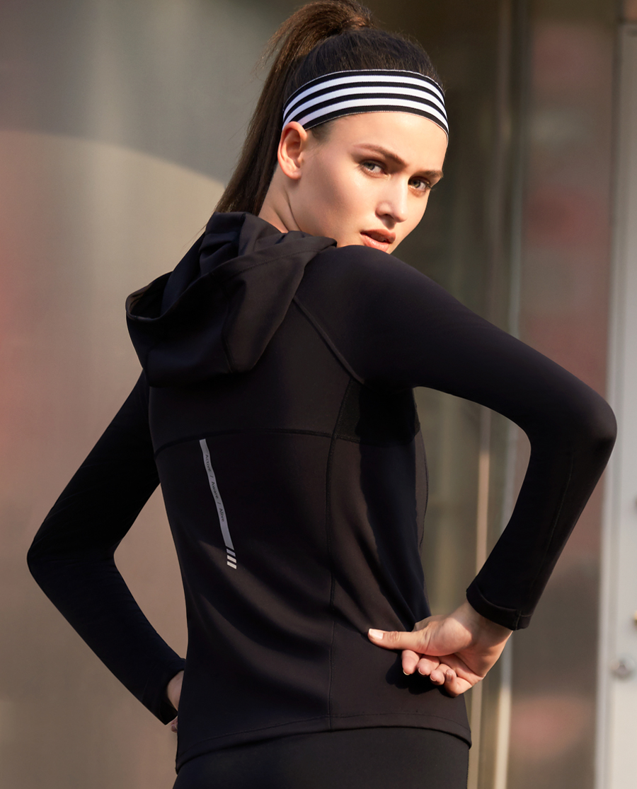 Aimer Sports运动装 爱慕运动任何天气II带帽套头长袖上衣AS144J22