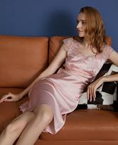 LA CLOVER兰卡文粉红爱丽系列小袖睡裙LC44LQ1