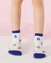 爱慕儿童袜子男孩字母小怪印花童袜AK2944561