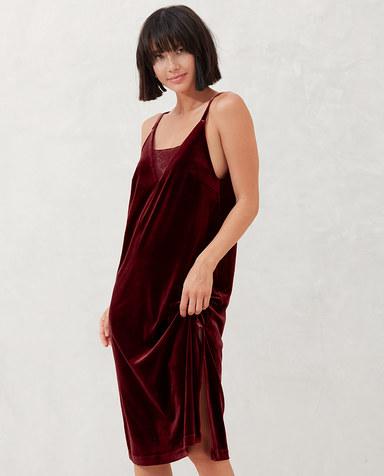 AIMER NYC睡衣|爱慕NYCKENSINGTON肯辛顿细带中长睡裙AN440451