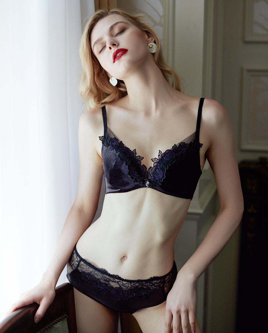La Clover内裤|兰卡文丝绒蜜语2系列中腰平角裤LC23P
